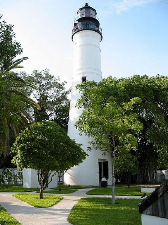 Downtown Classic Coastal Home: AmeTours.com Florida Keys
